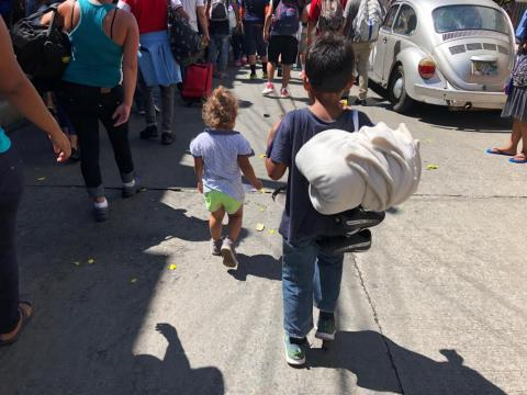 Children travelling with migrant caravan in Mexico