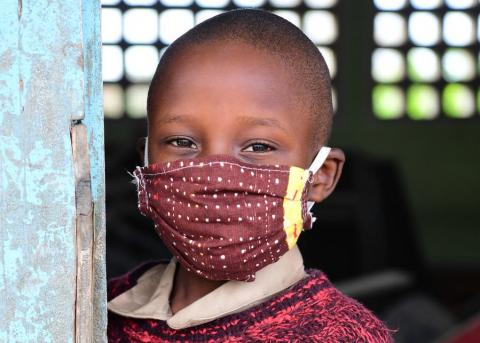 A boy wearing a mask to protect himself against COVID-19 in the South of Côte d'Ivoire.