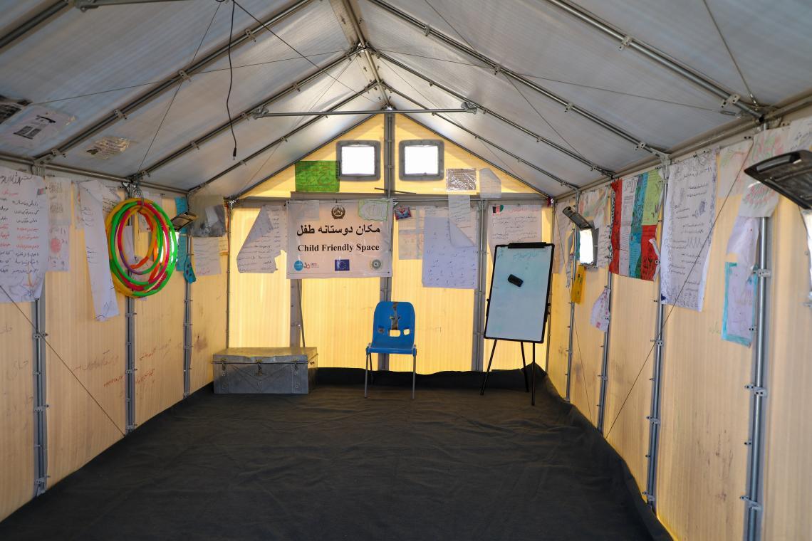 Afganistán. El interior de un espacio amigable para los niños en Afganistán.