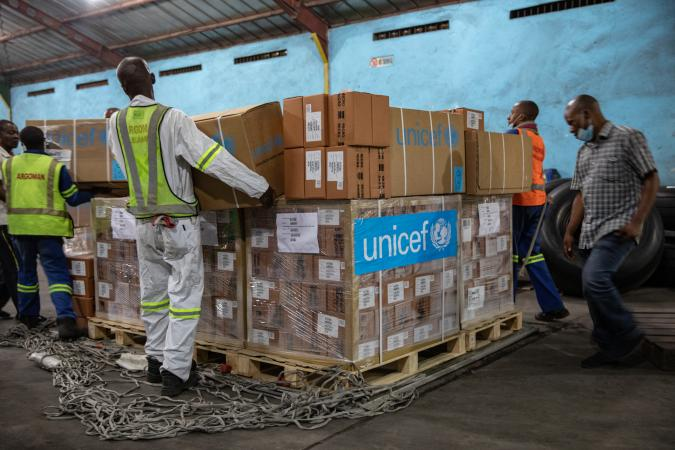 A UNICEF shipment of 63 cubic metres of vital health supplies will land today in Kinshasa, the Democratic Republic of the Congo (DRC) on a Belgian repatriation flight, co-financed by the European Union (EU).