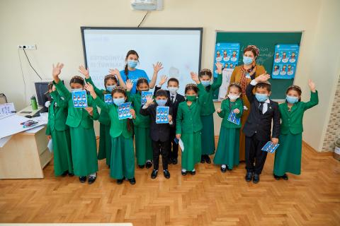 Children in Turkmenistan take part in interactive sessions to mark the Global Handwashing Day