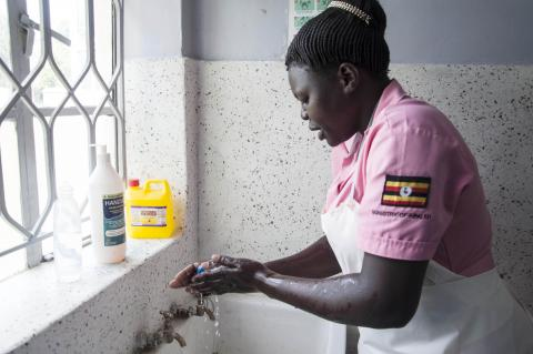 Access to safe and clean water in health centres