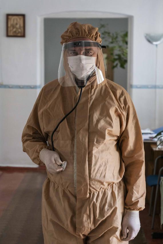 Українські лікарі на передовій боротьби з COVID-19 | UNICEF