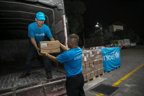 UNICEF airlifts 10 tons of therapeutic food to Viet Nam for malnourished children