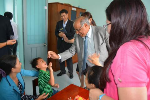 UNICEF Viet Nam Representative Youssouf Abdel-Jelil interacted with Thang during his visit to Ninh Thuan Inclusive Education Centre in April 2016