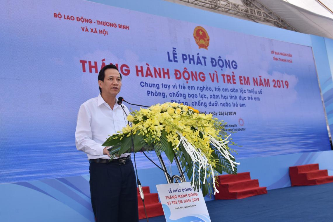 the Minister of MOLISA, Dao Ngoc Dung, called for strong collaboration from line sectors, organisations and localities in to provide better services for children to prevent children from violence, abuse and drowning.