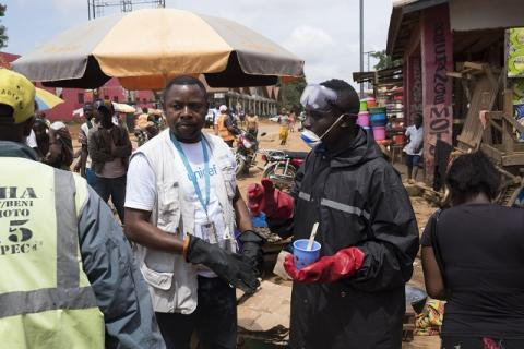 How water helps to protect people from Ebola