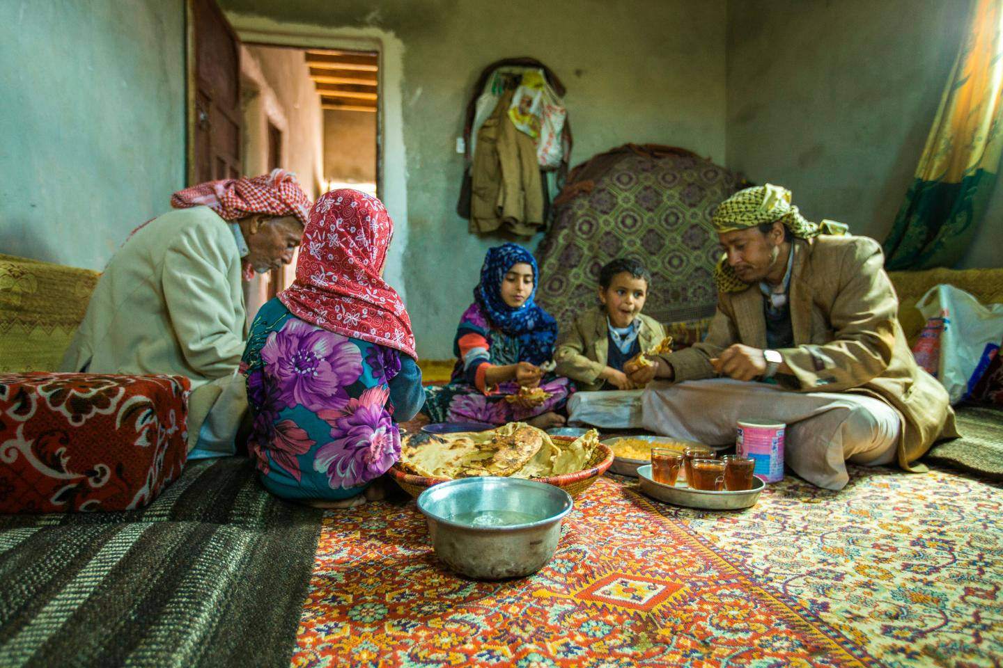 A family benefiting from the ECT project in Dhamar.