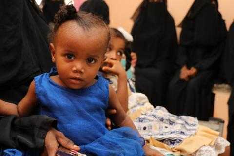 A yemeni little girl waiting for treatment at Maternal and Child Health Centre in Zungobar, Abyan