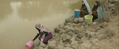 Three actresses acting as rural women who go to fetch water from pond and water storages early every morning in many places around Yemen.