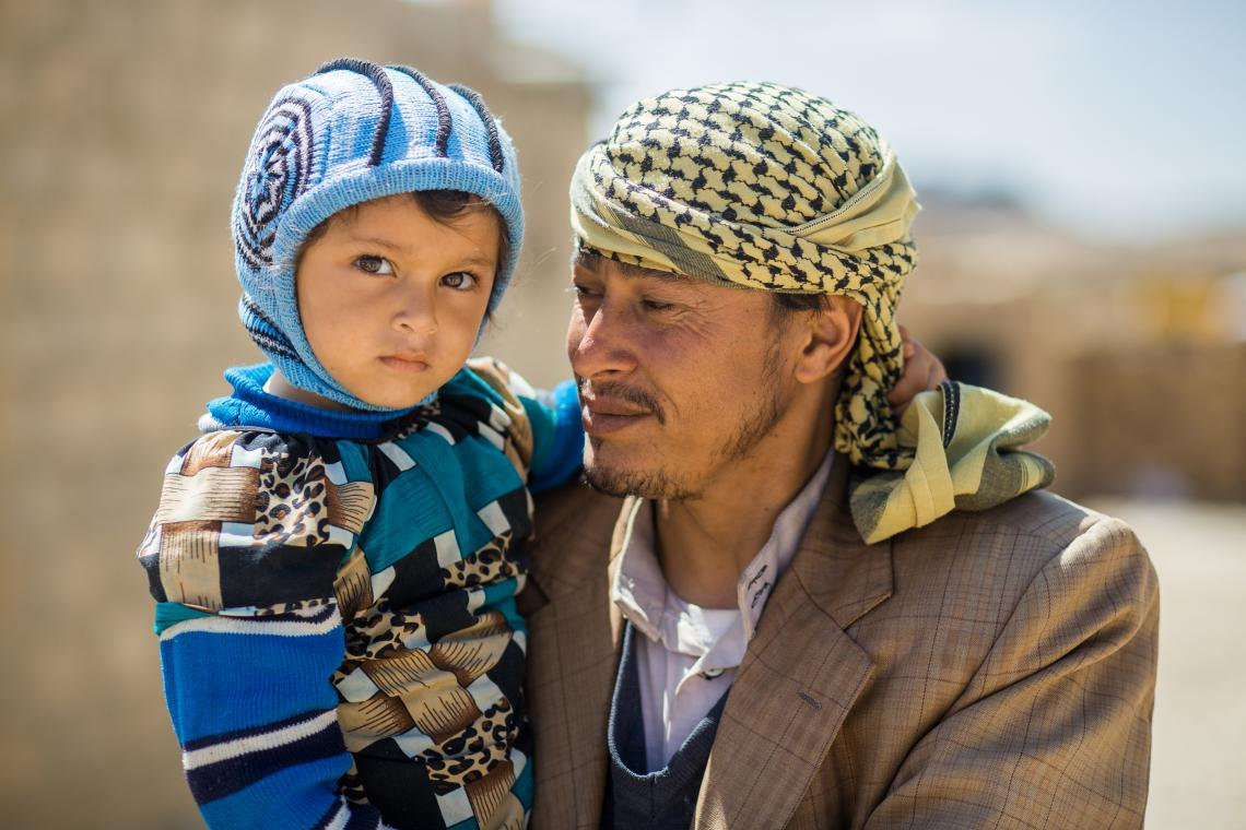 Ali and one of his daughters in Dhamar city.