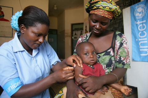 UNICEF Nurse with Baby