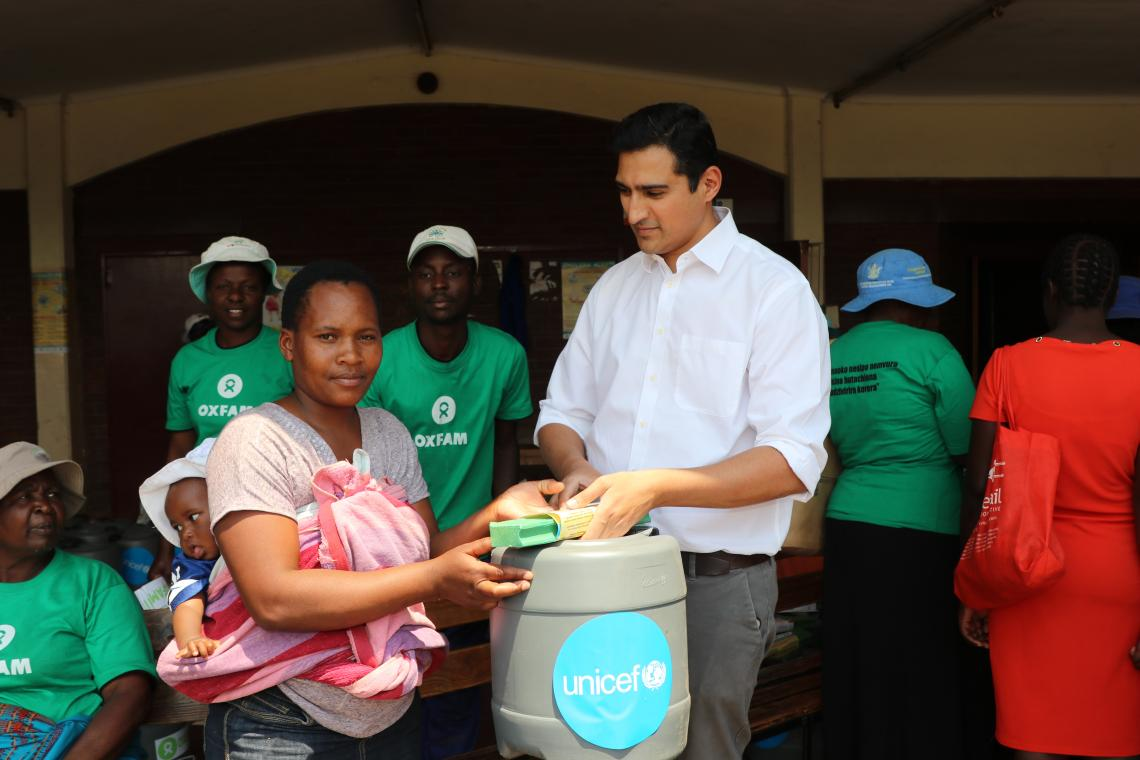 OXfam helping UNICEF in the field